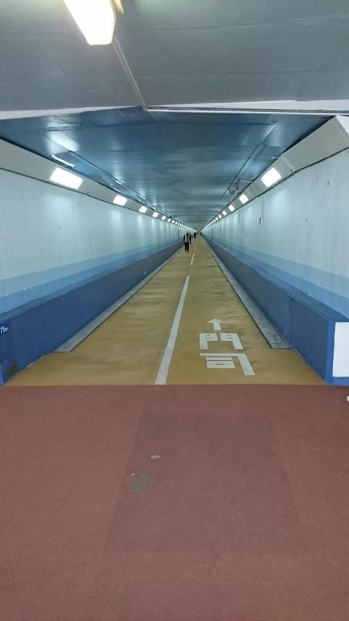 人道トンネル01